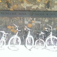 Photo prise au Princesse Bora Lodge & Spa par Robbin R. le3/1/2014