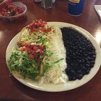 Das Foto wurde bei Baja Fish Tacos von Scott A. am 10/5/2016 aufgenommen