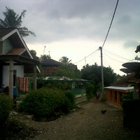 Photo taken at Warung sate mang odod by Rosa P. on 4/26/2014