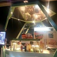 1/22/2013 tarihinde Janine A.ziyaretçi tarafından The Sandwich Guy'de çekilen fotoğraf