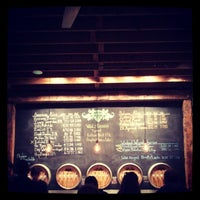 Foto tirada no(a) Wicked Weed Brewing por kyle c. em 5/3/2013