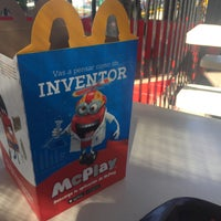 Photo taken at McDonald's by Verónica P. on 12/20/2017