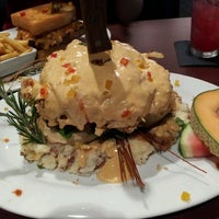 Photo taken at Hash House a Go Go - Orlando by Anthony A. on 4/16/2013