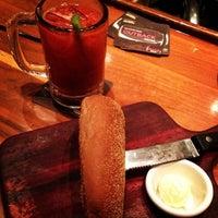 Foto tirada no(a) Outback Steakhouse por Gabriela M. em 2/2/2013