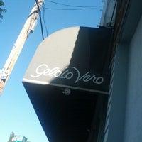 Foto tomada en Gelato Vero Caffe por Mitchell K. el 10/14/2012