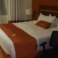 Das Foto wurde bei Hotel Quality Inn Cencali von Eduardo V. am 3/19/2013 aufgenommen
