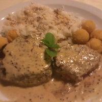Foto tirada no(a) Massa ao Mel Restaurante por Diego Tito G. em 7/19/2013