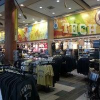 12/30/2012にNik Muhammad Naim N.がGeorgia Tech Bookstoreで撮った写真