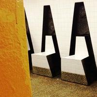 3/9/2013 tarihinde Angel O.ziyaretçi tarafından MTA Subway - 161st St/Yankee Stadium (4/B/D)'de çekilen fotoğraf