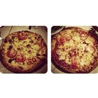 Das Foto wurde bei Goodys Cafe & Cucina von Ester C. am 5/19/2013 aufgenommen
