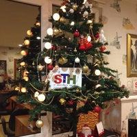 11/29/2013 tarihinde Gokce I.ziyaretçi tarafından STH Travel'de çekilen fotoğraf