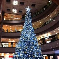 Das Foto wurde bei Takashimaya S.C. von Calvin N. am 12/28/2012 aufgenommen
