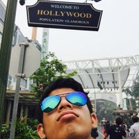 Photo taken at Hollywood Boulevard by Fakhrul A. on 9/24/2015