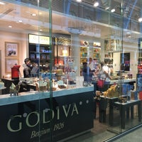 Photo taken at Godiva by Hussain A. on 6/13/2015