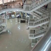 Foto tirada no(a) North Shopping Fortaleza por Alex S. em 3/21/2013