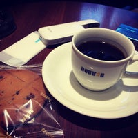 Photo taken at Doutor Coffee Shop by Seiji F. on 4/22/2017