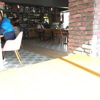 4/14/2017 tarihinde Zafer M.ziyaretçi tarafından Nerd Cafe & Restaurant'de çekilen fotoğraf
