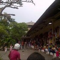 Photo taken at Pasar Umum Sukawati by Ferdi Z. on 12/15/2013