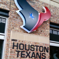 Photo taken at Houston Texans Grille by Abraham M. on 9/7/2014