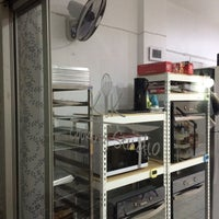 Photo taken at Kik's Cooking School by Natthapol N. on 2/13/2016