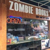Foto tomada en Zombie Books por Natthapol N. el 7/16/2017