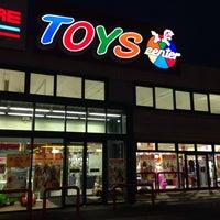Photo taken at Toys by Annalisa V. on 2/14/2016