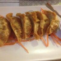 Foto tomada en Thai Food Cafe por Chris M. el 12/2/2012