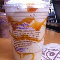 Photo taken at The Coffee Bean & Tea Leaf by Joshua V. on 8/14/2013