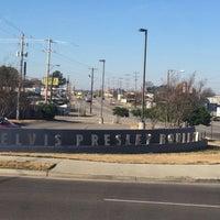 Photo taken at Elvis Presley Boulevard by Caroline H. on 12/8/2015