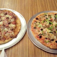 Photo taken at Pizza Royer's by Beatriz on 6/27/2014