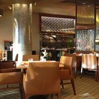 Photo taken at Four Seasons Hotel by Gado 1. on 10/29/2012