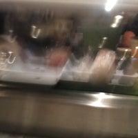 Foto tirada no(a) Sushi O Bistro por Steve S. em 9/21/2018