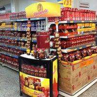 Photo taken at Supermercados Guanabara by Leonardo F. on 1/26/2013