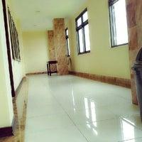 Photo taken at Sekolah Tinggi Ilmu Kesehatan (STIKES) Wira Medika PPNI Bali by Ditta D. on 9/23/2013