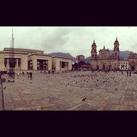 Foto tomada en Plaza de Bolívar por Keroz K. el 10/17/2012