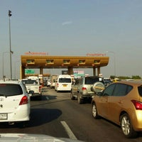 Photo taken at Anusorn Sathan Toll Plaza 1/2 by Arnat😎 R. on 2/5/2016