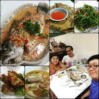 Photo taken at Restaurant Kelantan by Jessyings on 7/18/2015