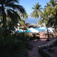 Foto tomada en Sheraton Buganvilias Resort & Convention Center por Angel R. el 3/21/2013