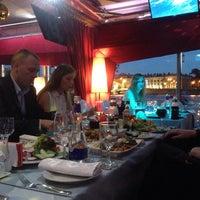 Photo prise au DoZari / Дозари шоу-ресторан на воде par Дарья le7/15/2015