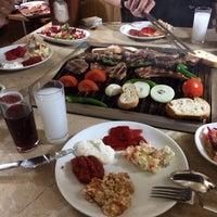 Foto tomada en Gölköy Restaurant por Esra T. el 1/5/2014
