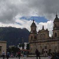 Foto tomada en Plaza de Bolívar por Alejandro G. el 4/24/2013