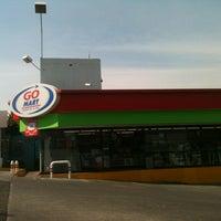 Photo taken at Pémex/Go Mart by Carlos Z. on 1/14/2013