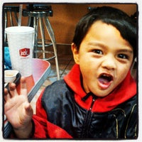 Photo taken at Jack in the Box by Sylvette N. on 3/24/2013