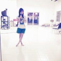 Photo taken at ห้องซ้อมชมรมขับร้องประสานเสียง by Voicygirl B. on 3/27/2013