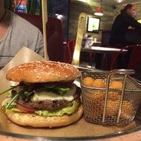 Снимок сделан в Ketch Up Burgers пользователем Светлана Б. 8/30/2014