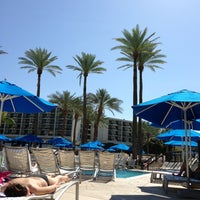 Photo taken at JW Marriott Oasis Bar And Grille by Randy P. on 3/18/2013