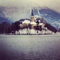 Photo prise au Blejsko Jezero / Lake Bled par Casey M. le1/18/2013
