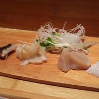 10/2/2013 tarihinde jocoseziyaretçi tarafından Sushi Yasuda'de çekilen fotoğraf
