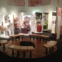 5/3/2013 tarihinde Jeremy K.ziyaretçi tarafından Wing Luke Museum of the Asian Pacific American Experience'de çekilen fotoğraf
