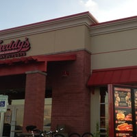 Photo taken at Freddy's Frozen Custard and Steakburgers by Dorothy S. on 7/28/2013